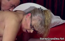 Horny gilf gets oral and rides
