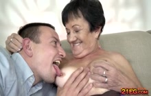 Super hot granny enjoying hardcore fucking